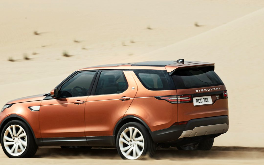 "Land Rover se ""slim"" Discovery land in Julie"